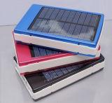 多彩な太陽充電器完全な8000mAhは太陽エネルギーバンクを防水する