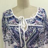 Beiläufige Form-Rayon-Druck-Dame-Bluse mit Zeichenkette (BL-59)