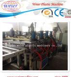 PVC pelant la ligne émulsionnée d'extrusion de panneau