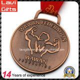 Sports&Nbsp; Medal&Nbsp; 習慣を使って大きい形の浮彫りにされたロゴ
