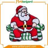 装飾が付いているクリスマスデザイン刺繍パッチ