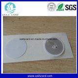 Mojar la etiqueta autoadhesiva clara de las etiquetas NFC del embutido NFC