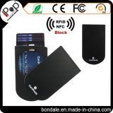 Uso de la tarjeta de crédito y sostenedor de la tarjeta de crédito de aluminio del material plástico