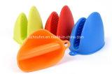 Gant en caoutchouc multifonctionnel coloré d'isolation thermique de four microondes à cuisine
