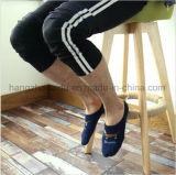 Покрашенные сделанные по образцу носки лодыжки жаккарда людей яркие