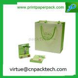Sacchetto di carta impaccante del regalo dei monili stampato abitudine squisita di colore chiaro