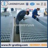 Piso de aço galvanizado que raspa para a plataforma da construção de aço