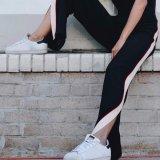 Damen arbeiten Breit-Mit Beinen versehenen Streifen-Schlitzen adrette Art-Hosen um