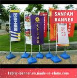 De adverterende Vlaggen van de Gevulde Basis van het Water van de Banners van de Vleugel