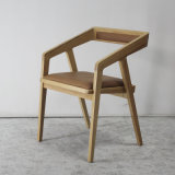 연약한 시트를 가진 의자를 식사하는 나무로 되는 가구 고품질