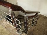 Corrimão de madeira à moda da escadaria do desgaste atrativo e durável