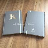 Cuadernos duros modificados para requisitos particulares de la cubierta de la insignia A5 del sellado de oro con el borde coloreado de la impresión