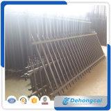 カスタマイズされた機密保護の錬鉄の住宅の鋼鉄塀か商業に鉄の囲うこと