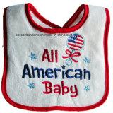 Выполненный на заказ логос вышил напечатанному хлопку Терри ткань Джерси выдвиженческий младенческий Bib Drool младенца