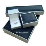青いビロードの挿入が付いている贅沢な固体木の宝石類のギフトの包装ボックス