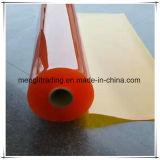 Rotes Plastik-Belüftung-Blatt in der Rolle