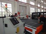 2000*4000mmの機械を切り分けている木製のアクリルMDF