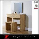 Talla del roble de los diseños de madera baratos del vector de preparación para el dormitorio