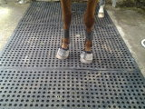 家畜は床のフロアーリングのゴム製安定した馬牛マットを寝かせる