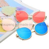 Óculos de sol elegantes do olho de gato de Len do espelho para mulheres