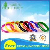 Kundenspezifischer fördernder Form-Silikon-Armband-/Rubber/PVC/Printed/Printing/Imprinted/Embossed/Debossed/Luminous-Brücke-SilikonWristband mit Silk Bildschirm-Firmenzeichen