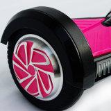Un auto delle 2 rotelle che equilibra motorino elettrico astuto con il pacchetto dell'OEM