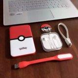 4000mAh le cadeau Pokemon réglé vont côté de pouvoir avec l'écouteur d'iPhone, support de téléphone, éclairage LED