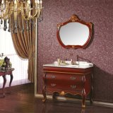 Vaidade antiga do banheiro da madeira contínua com espelho