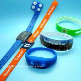 Het Centrum Tk4100 Em4200 van de geschiktheid maakt de Manchet van de Riem van het Horloge van het Silicone RFID waterdicht