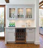 De nieuwe Keuken van de Stijl met de Gelamineerde Deur van de Keukenkast