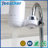 Le robinet a activé le filtre d'eau par épurateur d'utilisation de maison de charbon actif d'eau du robinet de carbone
