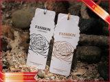 Изготовленный на заказ бумажная бирка Hang с фольгой логоса золотистой