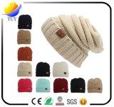 Sombrero del invierno de 2017 maneras con gorrita tejida de la insignia del bordado la nueva