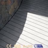 Madeira plástica composta ao ar livre personalizada de WPC para o Decking da associação