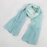 Женщины свежие и зеленый шарф градиента нашивки