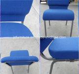 파란 리넨 직물 교회 의자