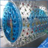 サイズ2.5*2.2*1.7m TPU0.8mm膨脹可能な水ローラー