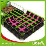 カスタマイズされたレイアウトは自由に卸し売り屋内体操のトランポリン公園を設計する