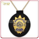 Placa de oro de encargo insignia de la seguridad del metal con el sostenedor genuino del cuero