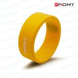 Достигните бирки полосы вахты Wristband силикона карточки безконтактной RFID