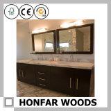 Bâti en bois de miroir d'antiquité de taille moyenne pour la salle de bains