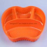 Caixa plástica descartável da cutelaria com a caixa de almoço dos compartimentos da tampa