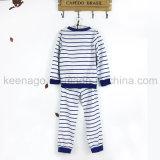 男の子の有機性綿の長い袖のしまのある寝間着のスーツのパジャマ