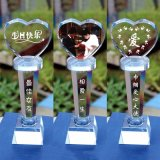 Troféu da concessão do cristal da forma do coração da alta qualidade
