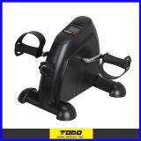 Ciclo preto do exercício da aptidão da bicicleta do exercitador do pedal