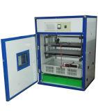Incubateur solaire automatique d'oeufs de poulet de capacité de l'incubateur 176 d'oeufs hachant la machine
