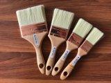 Белая щетка краски щетинки с деревянной ручкой