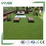 Forme d'U aménageant l'herbe artificielle de décoration