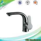 La salle de bains d'acier inoxydable de bassin filète /Mixer dans Sanitaryware