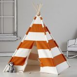 Tipi indio para la tienda de la tienda de los indios norteamericanos del juego de los cabritos